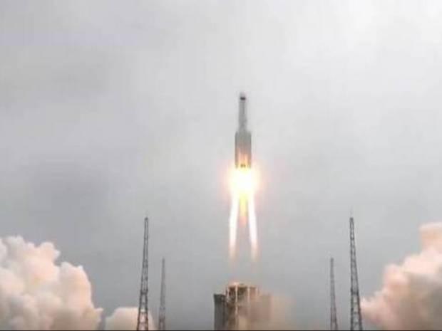 Κινεζικός πύραυλος εκτός ελέγχου σε «ξέφρενη πορεία» προς τη Γη - Δείτε αν πρέπει να ανησυχήσετε