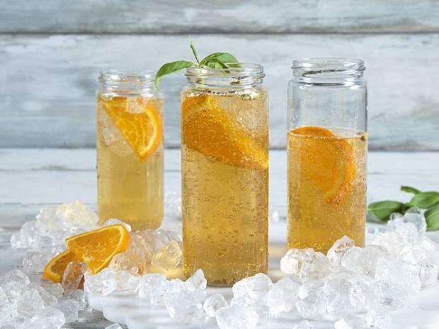 Συνταγή για iced tea cocktail με πορτοκάλι από τον Άκη Πετρετζίκη