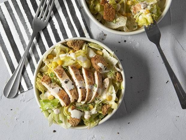 Συνταγή για Light Caesar salad από τον Άκη Πετρετζίκη