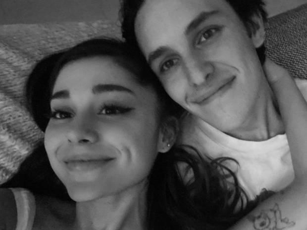 Ariana Grande: Παντρεύτηκε κρυφά τον Dalton Gomez