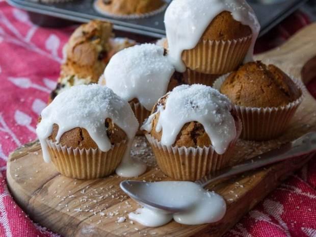 Συνταγή για muffins καρύδας από τον Άκη Πετρετζίκη