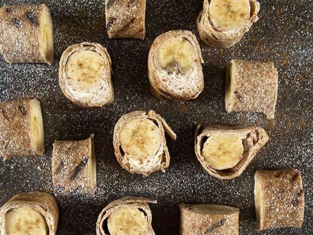 Συνταγή για ρολάκια μπανάνας από τον Άκη Πετρετζίκη