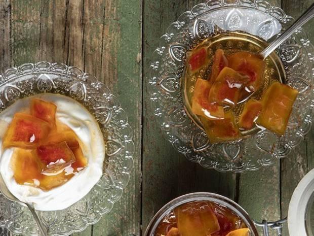 Συνταγή για γλυκό του κουταλιού καρπούζι από τον Άκη Πετρετζίκη