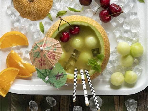 Συνταγή για fruit punch πεπόνι από τον Άκη Πετρετζίκη