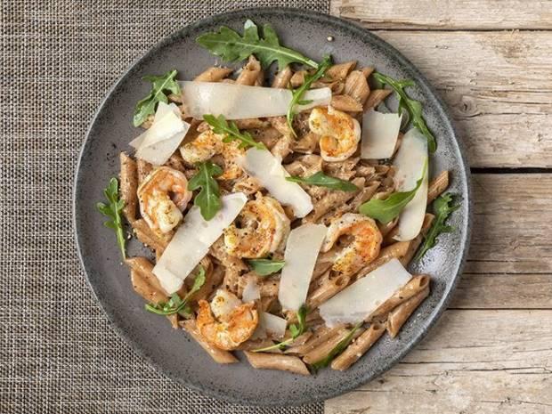 Συνταγή για πένες με γαρίδες αλά κρεμ από τον Άκη Πετρετζίκη