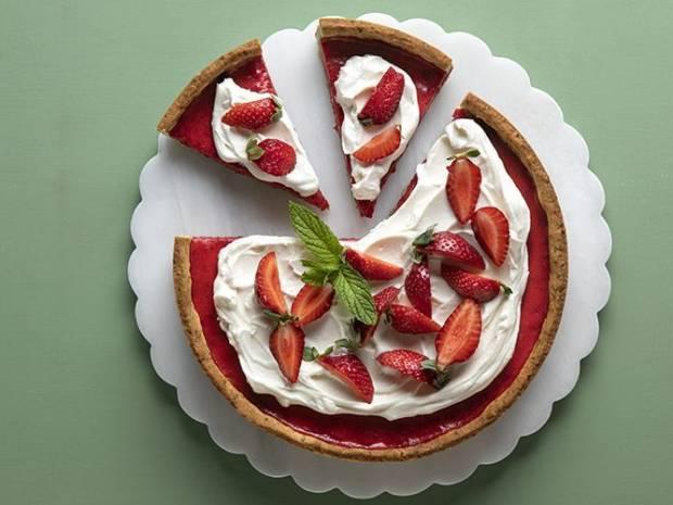 Συνταγή για τάρτα φράουλας από τον Άκη Πετρετζίκη