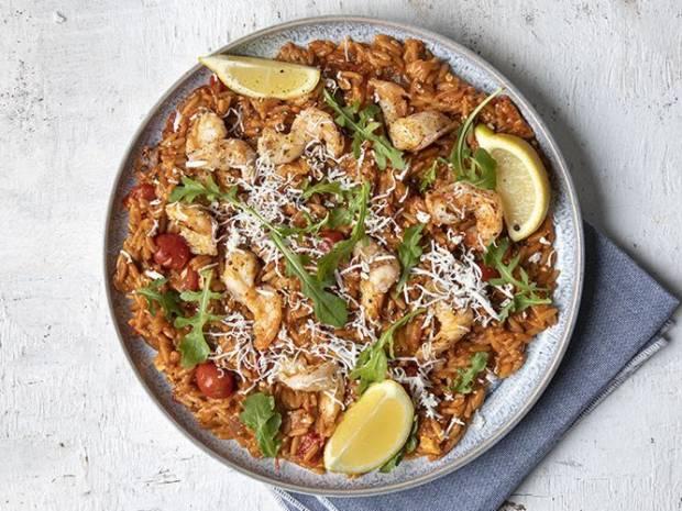 Συνταγή για γιουβέτσι με γαρίδες από τον Άκη Πετρετζίκη