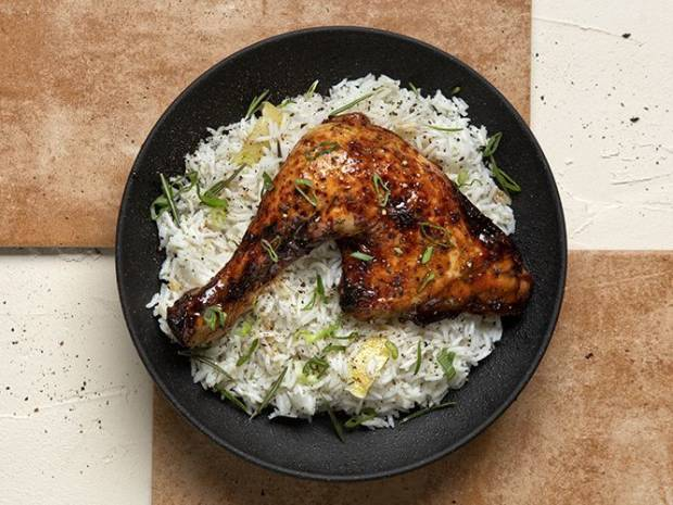 Συνταγή για κοτόπουλο μπούτι με μέλι και σόγια από τον Άκη Πετρετζίκη