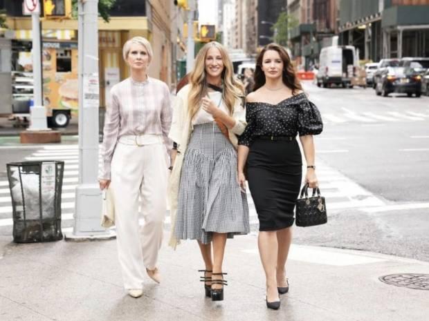 And Just Like That οι 4 αχώριστες φίλες έμειναν 3! Χωρίς τη Samantha η α' λήψη του Sex and the City