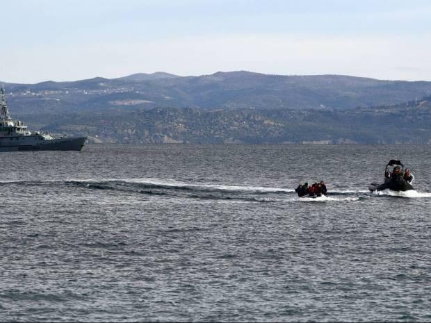 Κομισιόν: Στηρίζουμε τις επιστροφές μεταναστών από ελληνικά νησιά στην Τουρκία