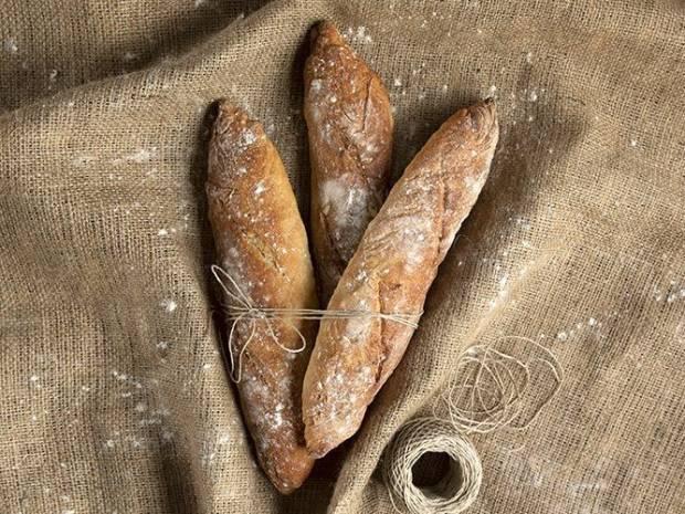 Συνταγή για Γαλλική μπαγκέτα από τον Άκη Πετρετζίκη