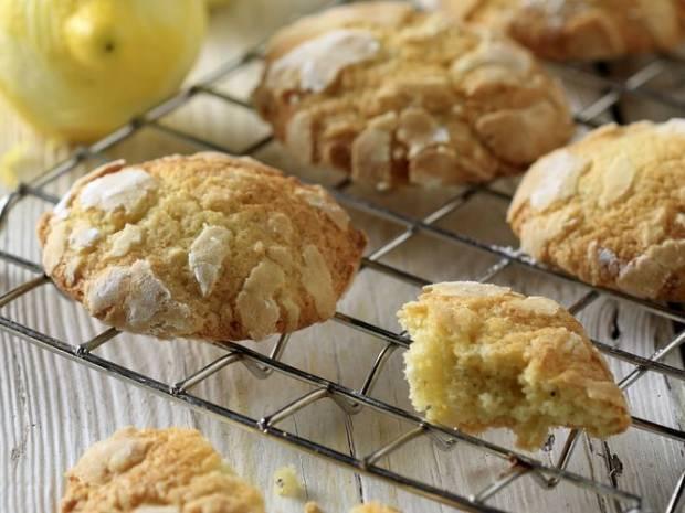 Συνταγή για κουλουράκια με λεμόνι και κάρδαμο από τον Άκη Πετρετζίκη