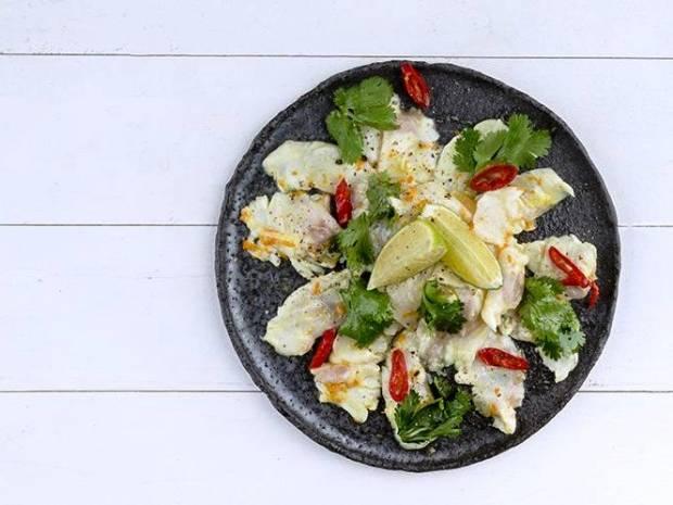 Συνταγή για ceviche λαβράκι από τον Άκη Πετρετζίκη