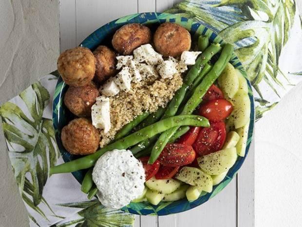 Συνταγή για power bowl από τον Άκη Πετρετζίκη