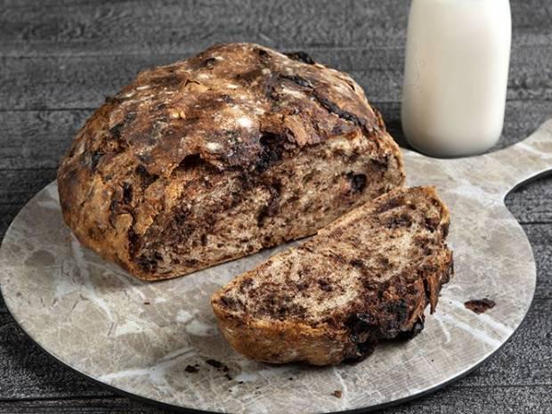 Συνταγή για ψωμί με κομμάτια σοκολάτας από τον Άκη Πετρετζίκη