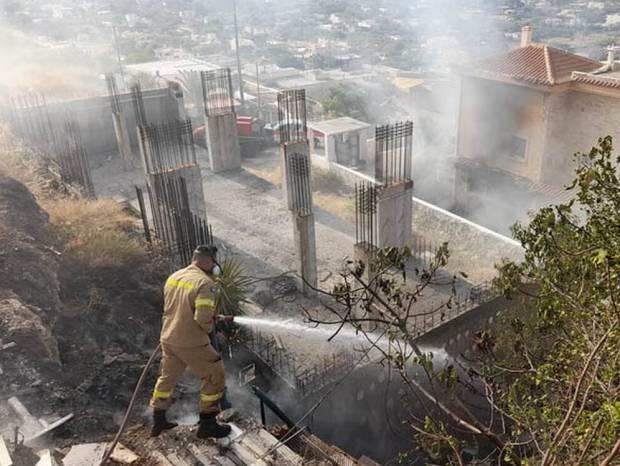 Έκρηξη στα Καλύβια με επτά τραυματίες: Οι δυο σε σοβαρή κατάσταση - Τραυματίστηκαν και τρία παιδιά