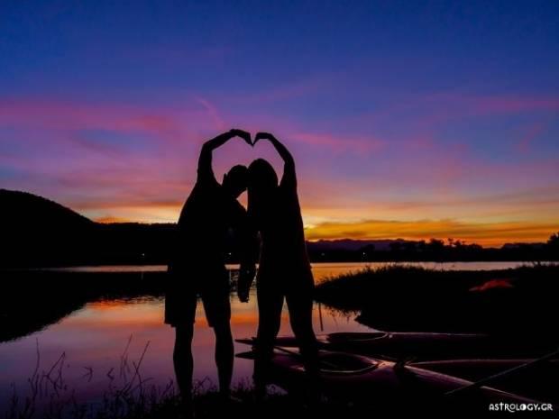 Ζώδια Σήμερα 02/10: Ο απόλυτος έρωτας