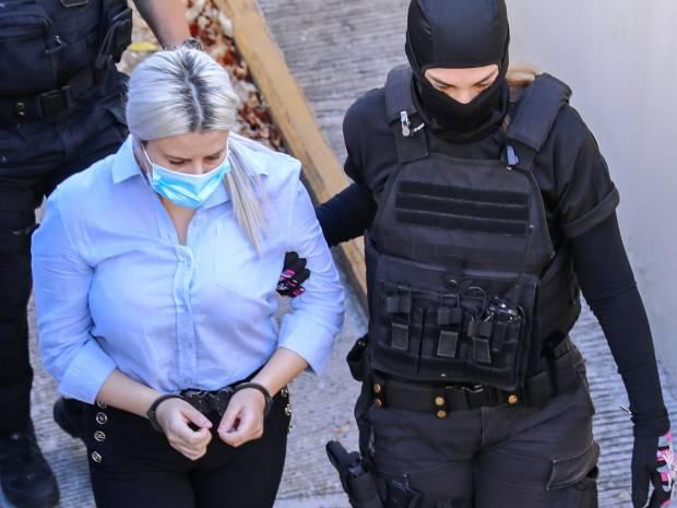 Δίκη για βιτριόλι: Η οικογένεια της Ιωάννας «επιτέθηκε» στην κατηγορούμενη, μέσα στο δικαστήριο - «Σκύλα, μας διέλυσες»