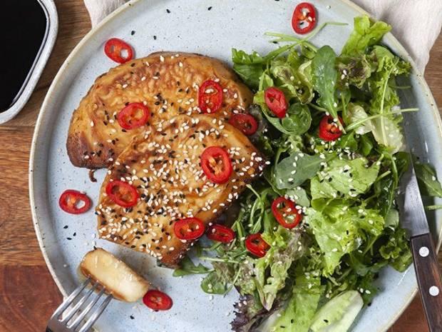 Συνταγή για steak σελινόριζας στη χύτρα ταχύτητας από τον Άκη Πετρετζίκη