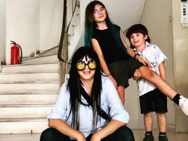 Ζενεβιεβ Μαζαρί: Η κόρη της μεγάλωσε και έκανε το πιο ανατρεπτικό λουκ