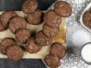 Συνταγή για soft cookies σοκολάτας από τον Άκη Πετρετζίκη